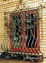 Khung cửa sổ bằng sắt mỹ thuật mã 14